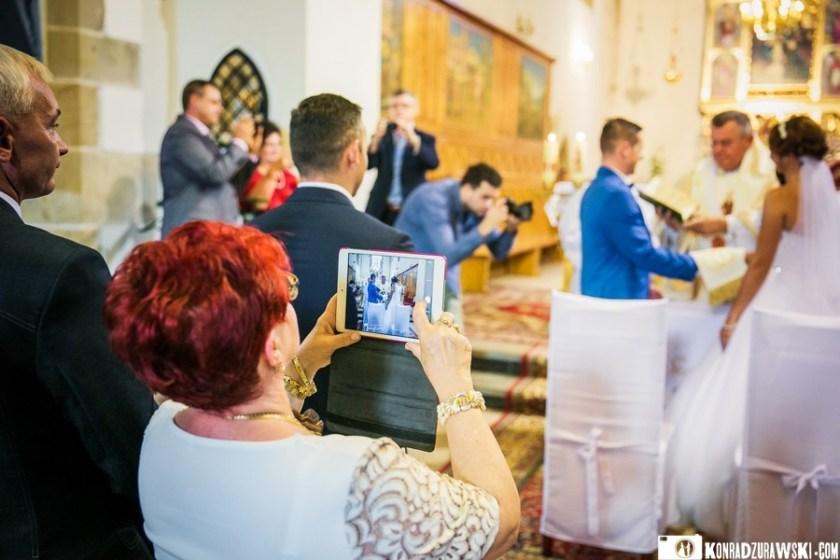 Każdy chciałby mieć na zdjęciach piękną Młodą Parę   sesja ślubna w Dubaju - fotograf Konrad Żurawski