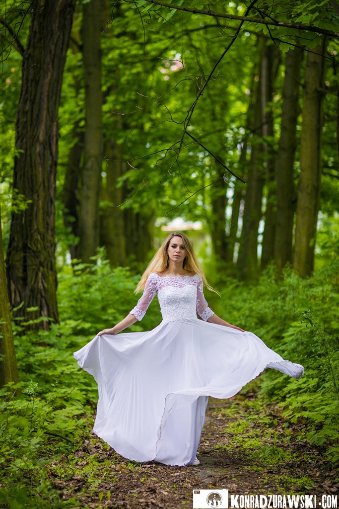 Jowita podczas sesji ślubnej - fotografia ślubna Legnica | Konrad Żurawski
