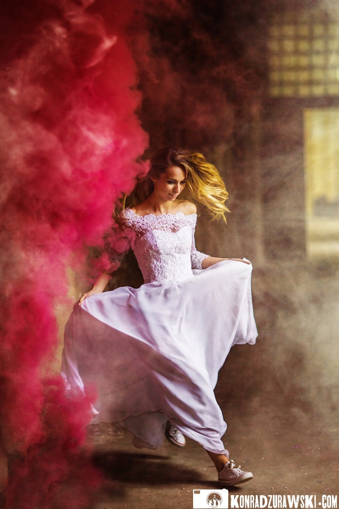 Uciekająca panna młoda - fotografia ślubna Legnica | Konrad Żurawski