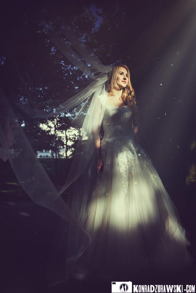 Promienie słońca zawsze mile widziane | Plener ślubny w okolicach Jeleniej Góry