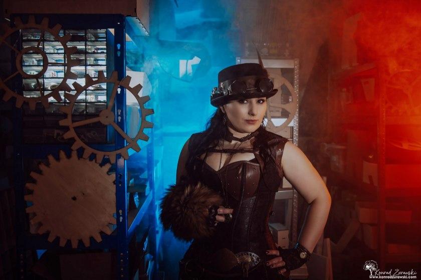 Sesja wizerunkowa Magdaleny w stroju Steam Punk - sesje biznesowe Jelenia Góra