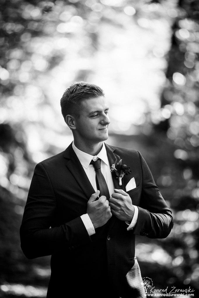 Emil podczas ślubnej sesji - fotografia ślubna Jelenia Góra | Konrad Żurawski