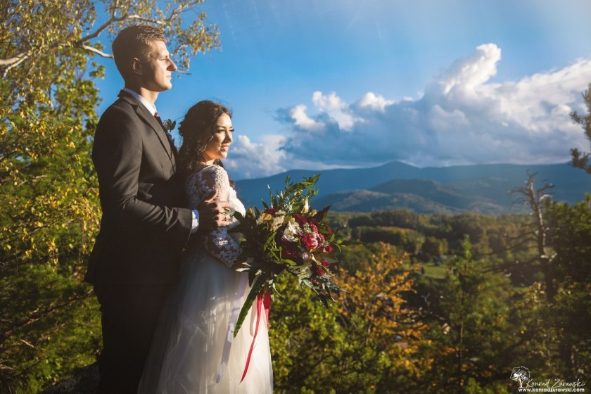 Górskie widoki podczas sesji ślubnej Dominiki i Emila - fotografia ślubna Jelenia Góra | Konrad Żurawski