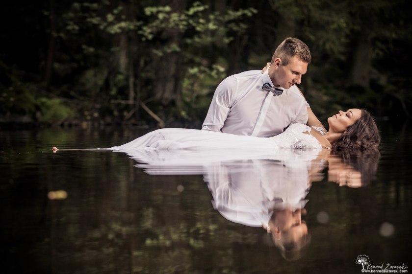 Ślubne zdjęcia na wodzie - Wodospad Kropelka w Piechowicach | Fotograf ślubny Konrad Żurawski