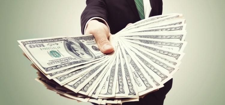 Karyawan Yang di-PHK Berhak Dapat Uang Pisah atau Pesangon?