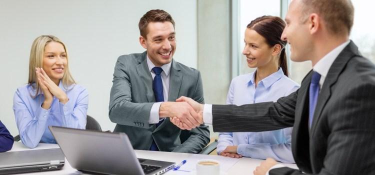 Perusahaan Mana Yang Bertanggung Jawab Terhadap Karyawan Apabila Perusahaan Beralih?