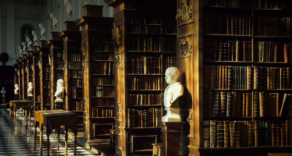 Perpustakaan di Trinity College Cambridge