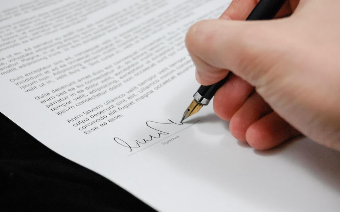 Ohjelmistokehityksen ostaminen: vinkkejä sopimuksen laadintaan