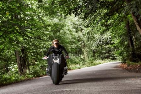bmw_vision_next_100_motorcycle-industrial-kontaktmag05