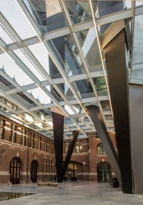 zha_port-house-antwerp_atrium-tim-fisher-2016