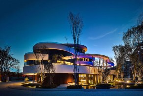green_spaces_clubhouse-architecture-kontaktmag01
