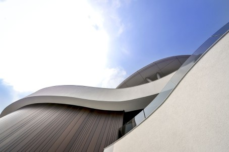 green_spaces_clubhouse-architecture-kontaktmag13