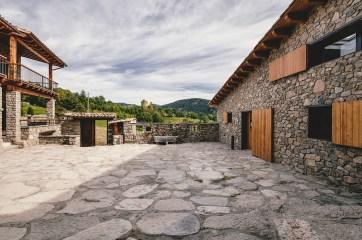 la_cerdanya_farmhouse-architecture-kontaktmag05