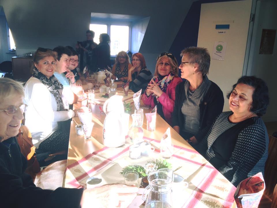 Regnbuefaféen for kvinder, hos Narges