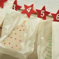 Kontakt mellem Mennesker søger hjælp til indpakning af julekalendere til værdigt trængende