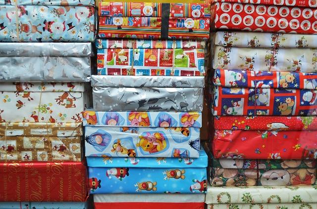 Julegavepapir til indpakning af julepakkekalendere søges