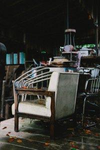 Genbrugsting og dødsboer afhentes med venlighed.
