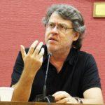 """Forster: """"los seres humanos apenas son números descartables en el juego del mercado"""""""