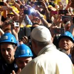Contra la meritocracia – El Papa en Génova