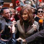 Cristina se presentó ante Bonadío con Grabois y Valdez, colaboradores del Papa Francisco
