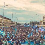 Fuerte mensaje de la Iglesia y del movimiento obrero organizado contra el Gobierno en Luján ante una multitud