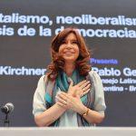 """Cristina Kirchner: """"Izquierda y derecha son categorías perimidas. Debemos recuperar la categoría pueblo"""""""