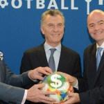 Macri manejará un presupuesto de U$S 1000 millones desde la FIFA. Duras críticas de la AFA, Superliga y clubes argentinos