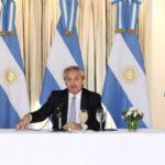 """""""Default virtual"""": Argentina hará quita del 62% de intereses de la deuda y posterga pagos hasta 2023"""