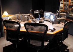 Spesialis-Peredam-Suara-Ruangan-radio