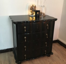 Relooking – Commode arbalète