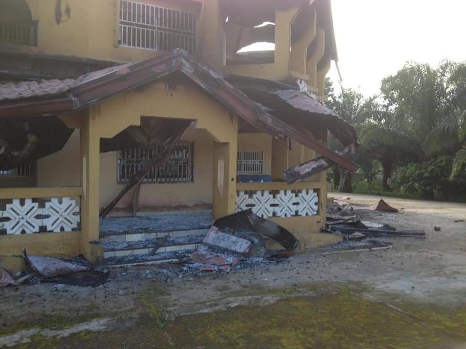 Amba Boys burn down Chuo Cyprian's home 5 days after he passed away