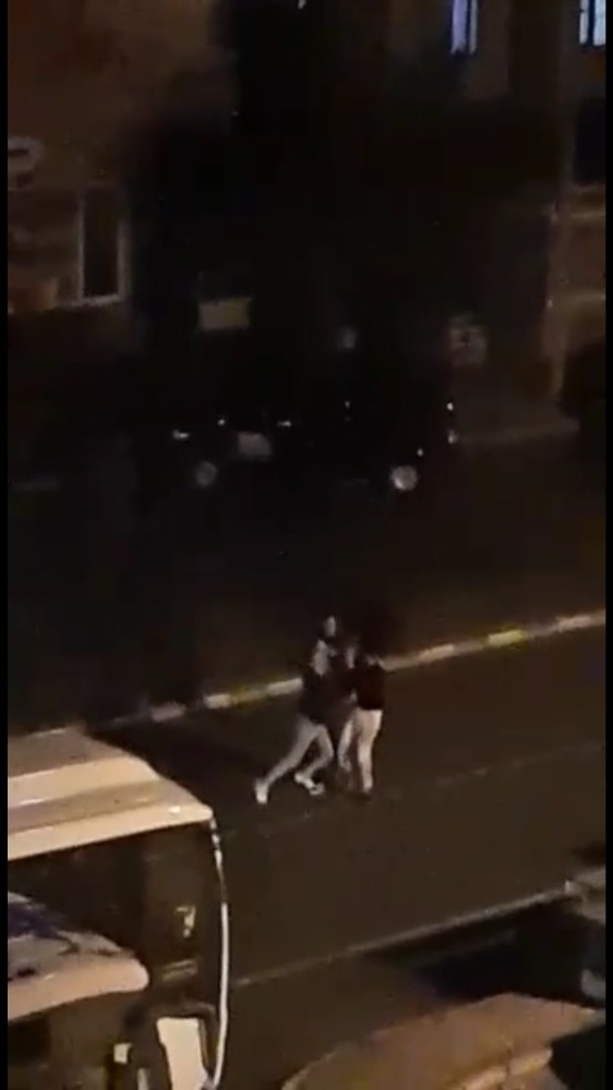 Konya'da gencin tekme tokat dövüldüğü anlar kamerada