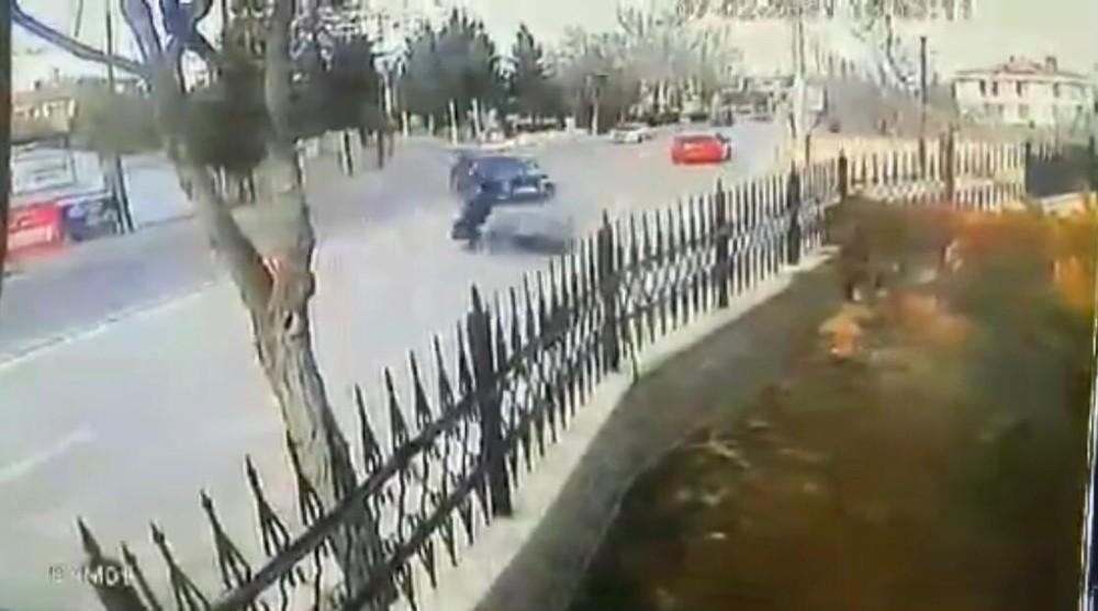 Otomobilin çarptığı motosiklet sürücüsü kurtarılamadı