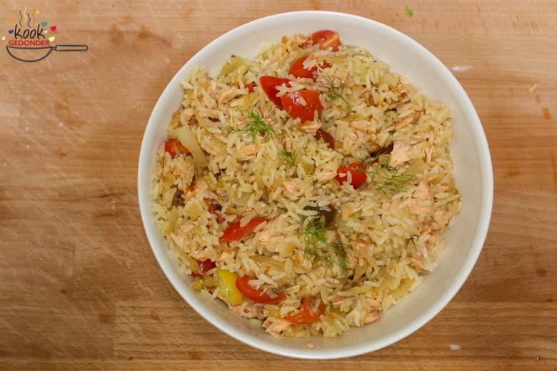 Rijstsalade met zalm en venkel