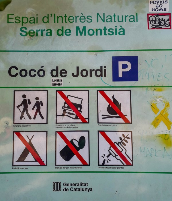 A sign of the list of from all the actions that are forbidden in Serra de Montsià