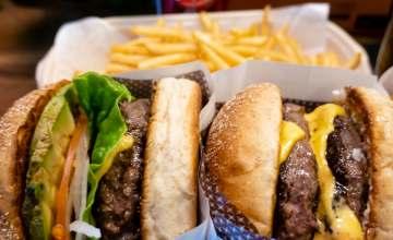 Locurile unde mâncăm cei mai buni burgeri din București