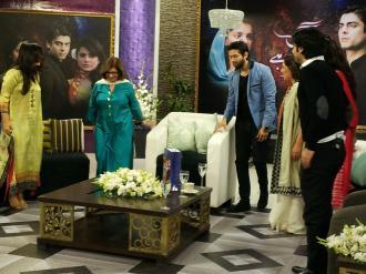 Fawad Khan, Sanam Saeed, Hadiqa Kiani, Sultana Siddiqui & Momina on Jago Pakistan Jago (4)