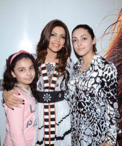 Launch of Hadiqa Kiani Fabric World (1)