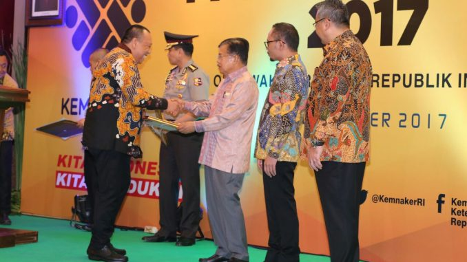 Kopi Banyuatis (CV. Pusaka Bali Persada) Terima Penganugerahan Paramakarya dari Wapres Jusuf Kalla