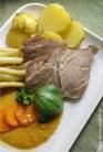 11_Karkówka z sosem marchewkowym