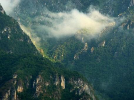 Berge nach morgendlichem Regen