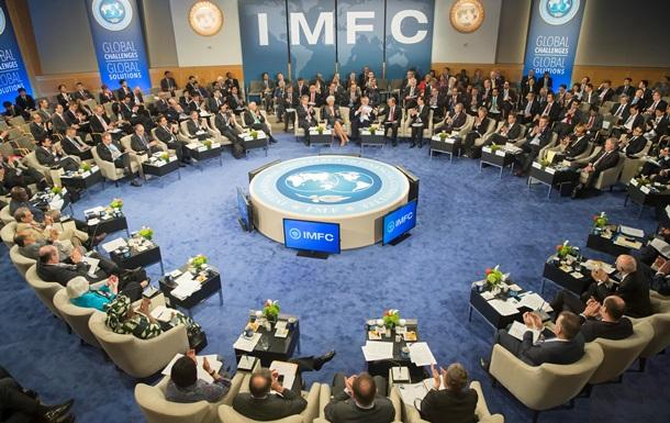 Долг Януковича : МВФ торопит Украину и РФ решить спор