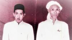 Syekh Muhammad Zaini bin Abdul Ghani atau Guru Sekumpul (kiri) dan KH Semman Mulia (kanan)