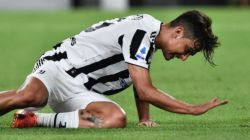 Ekspresi pemain Juventus Paulo Dybala saat pertandingan lanjutan Liga Italia antara Juventus dengan Empoli di Allianz Stadium, Turin, Italia, Sabtu (28/8/2021). Juventus ditaklukkan Empoli 1-0 [ANTARA/REUTERS/MASSIMO PINCA]