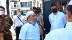 Ketua Lembaga Swadaya Masyarakat (LSM) Kelompok Pemerhati Kinerja Aparatur Pemerintah dan Perlemen (KPK-APP) Kalimantan Selatan, Aliansyah saat melakukan aksi demo.(foto:ist)
