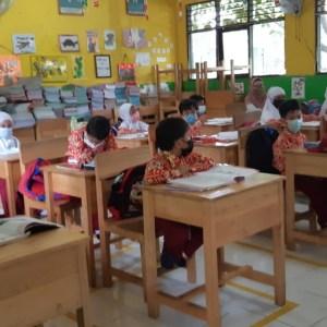 Dua Tahun Belajar Daring, SDN Jawa 2 Martapura Gelar Pembelajaran Tatap Muka
