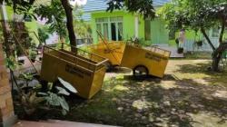 Hibah gerobak sampah yang dibagikan DLH Kabupaten Batola, (foto: faqih)