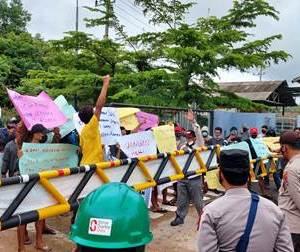 Demo Terus Berlanjut, Tuntut Usut Dugaan Pencemaran Lingkungan Oleh PT Sime Darby Oils