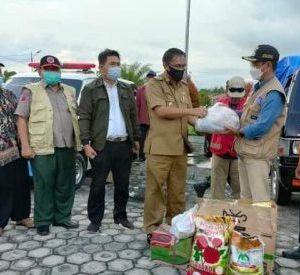Aksi Peduli Banjir Katingan, Wabup Batola dan Relawan Antar Bantuan