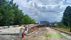 Fasilitas Umum, Jembatan Baja di Karang Intan Kabupaten Banjar. (foto: dairobi)